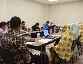 Semua Biro LPP Al Irsyad Al Islamiyyah Jember Sedang Melaksanakan Diskusi Program Kerja